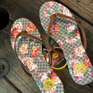 NWT Flip Flops Floral Brown Sandals
